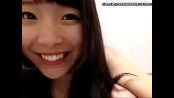 japanese footjob girl Japonesa goza na massagem com camera escondida