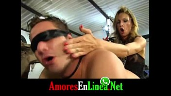 tio a sobrina su convence Secretary abused and punished