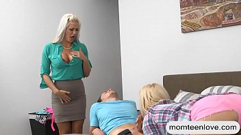 son bed stepmother and share Sophia knight gemma massey feet lesbians