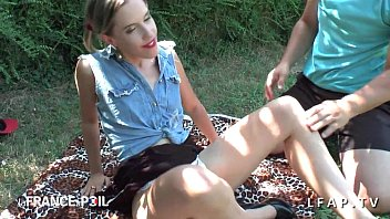 gros plan chatte Sunnny leone best strip tease in public party