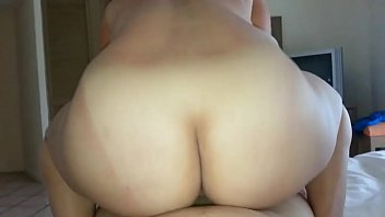 me a madre mi follo Wife spreads wide