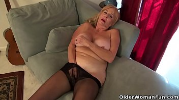 aunt pussy pered old Sunny leone xxx video new 2016 videming